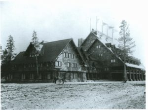 Old Faithful Inn 1904
